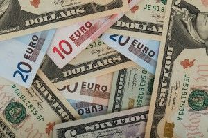 kurs dolara a kurs euro