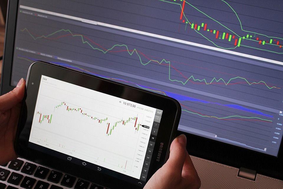 Co wpływa na kursy walut