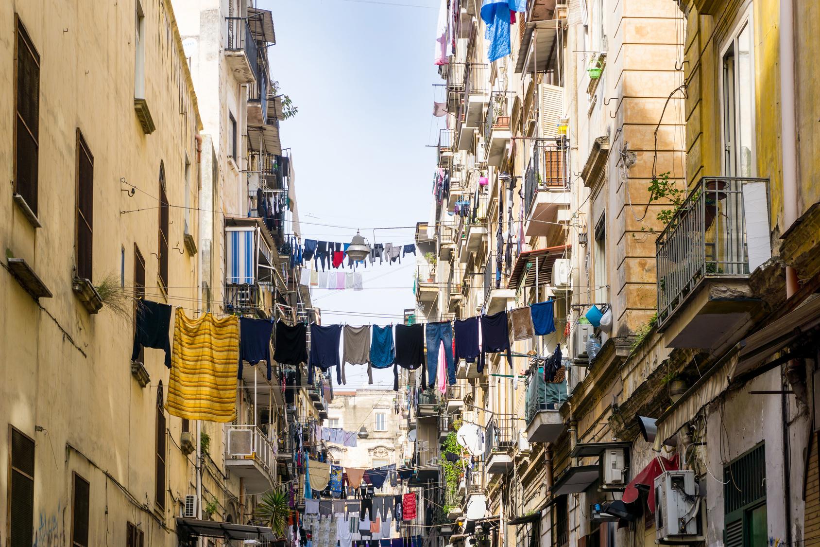 Neapol, Włochy, zwiedzanie, podróże, turystyka, ulica, wymiana walut, Ekantor.pl