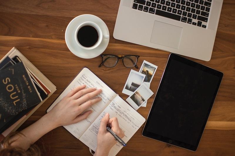 social media, facebook, praca, praca zdalna, praca w domu, wymiana walut, Ekantor.pl