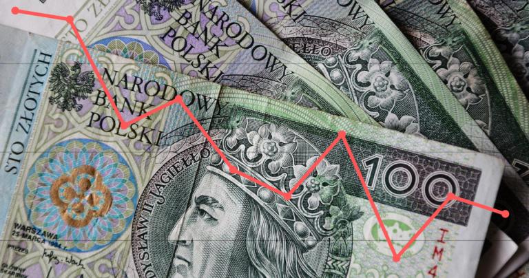 Słaba złotówka – kto traci, a kto zyskuje, kiedy nasza waluta jest warta mniej