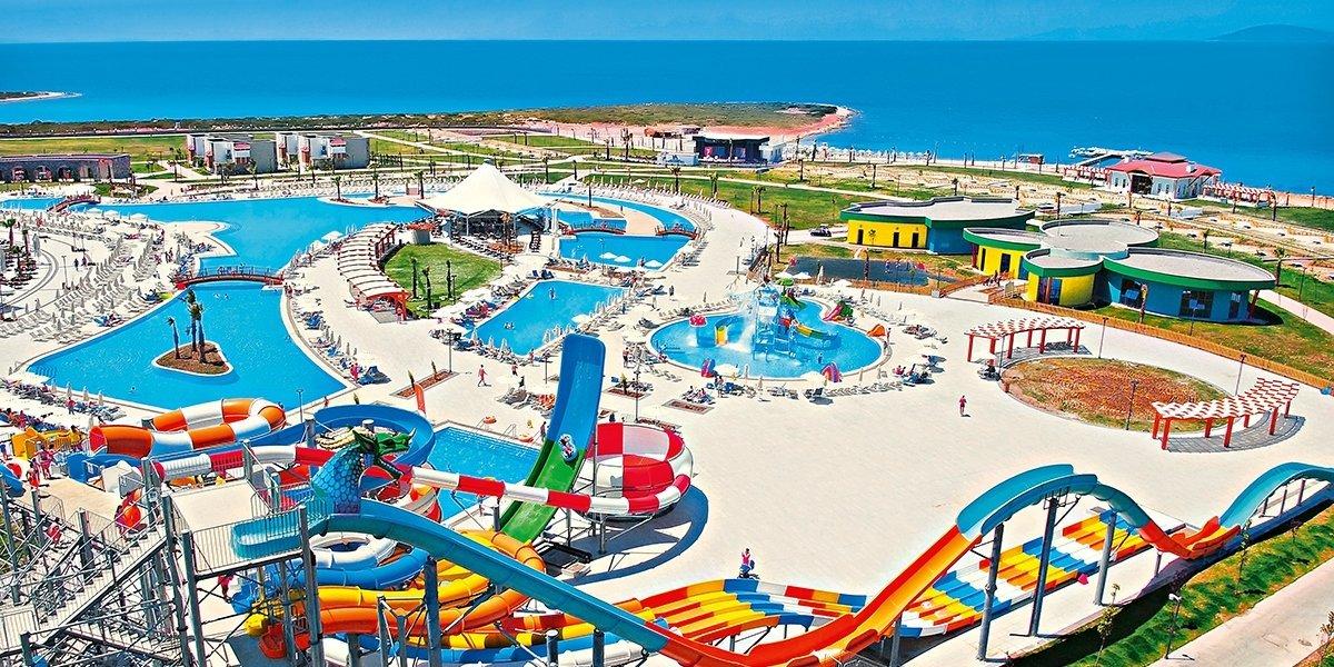 Hotel Aquasis Deluxe Resort & Spa-wakacje-Turcja-z-dzieckiem-park wodny-park rozrywki-itaka-2021
